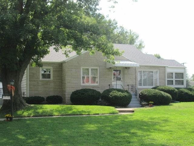 2325 W Sycamore, Kokomo, IN 46901 (MLS #201842843) :: The Romanski Group - Keller Williams Realty