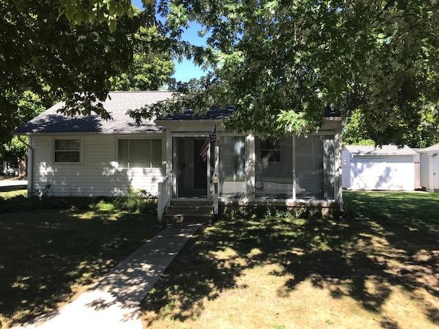 215 W Elm Street, Flora, IN 46929 (MLS #201843322) :: The Romanski Group - Keller Williams Realty