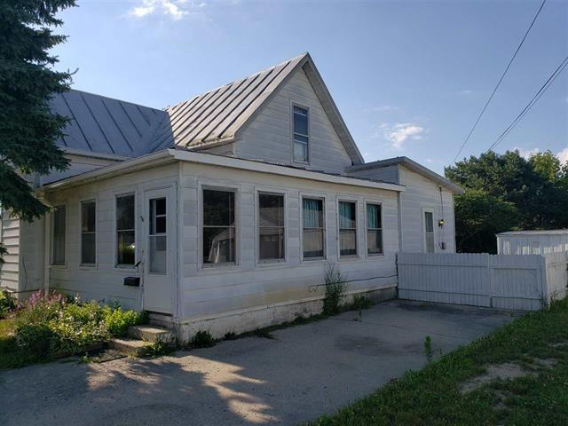 412 E Short Street, Winchester, IN 47394 (MLS #201852929) :: The ORR Home Selling Team