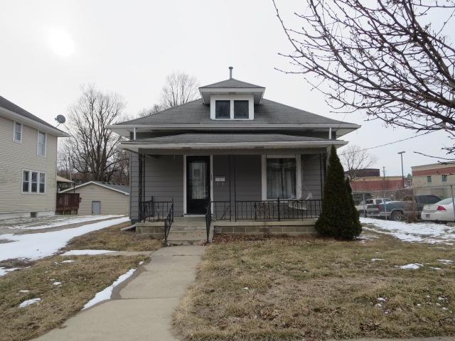 306 S Harrison St Street, Frankfort, IN 46041 (MLS #201907913) :: The Romanski Group - Keller Williams Realty
