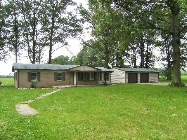 1800 S Cr 200 E, Hartford City, IN 47348 (MLS #201909204) :: The ORR Home Selling Team
