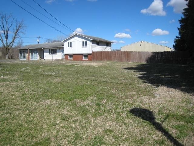 814 Douglas Road - Photo 1