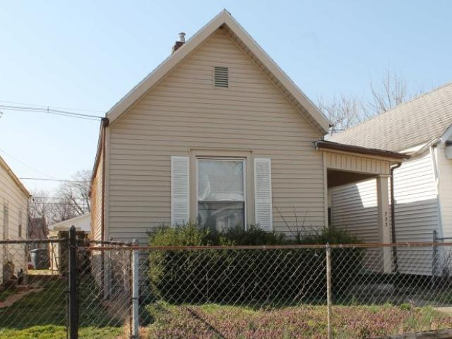 733 Iowa Street - Photo 1