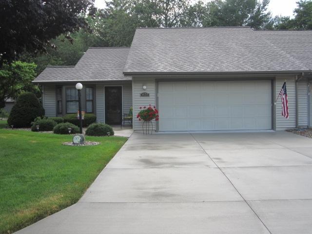 1639 Pine Ridge Court, Elkhart, IN 46514 (MLS #201930247) :: The ORR Home Selling Team