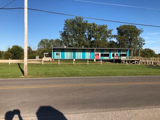 6400 S C R 560 East Road, Selma, IN 47383 (MLS #201940921) :: The ORR Home Selling Team