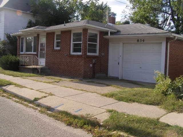 834 W Franklin Street, Elkhart, IN 46516 (MLS #201943454) :: Parker Team