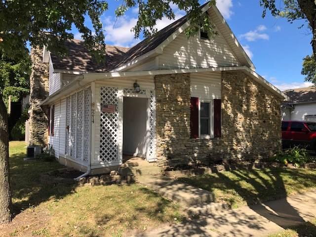 9214 W High Street, Yorktown, IN 47396 (MLS #201943839) :: The ORR Home Selling Team