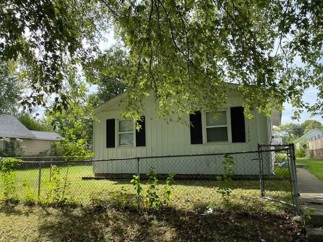 1219 S Ohio Street, Kokomo, IN 46902 (MLS #201945646) :: The Romanski Group - Keller Williams Realty