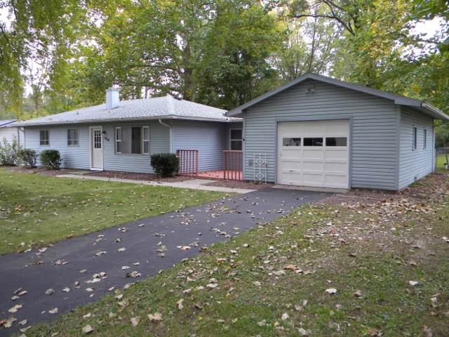 1408 Alpha Street, Warsaw, IN 46580 (MLS #201946285) :: Parker Team