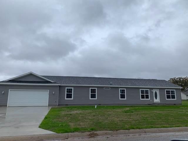 26147 Northland Crossings Drive, Elkhart, IN 46514 (MLS #201946383) :: Parker Team