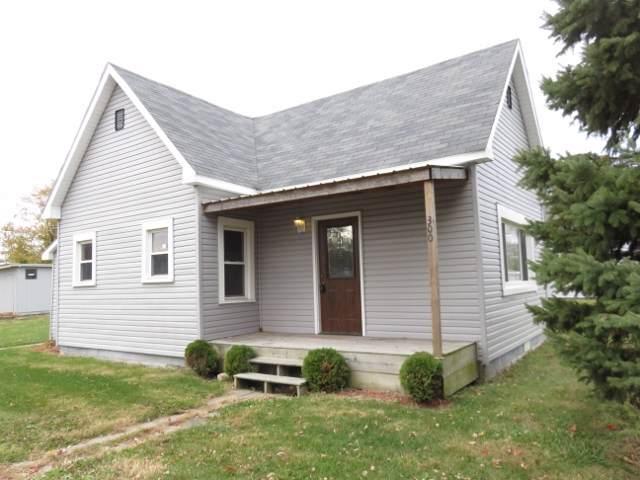 300 W Mill Street, Gaston, IN 47342 (MLS #201949035) :: The ORR Home Selling Team