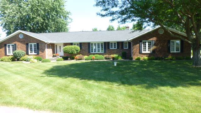 3284 Candlelight Trail, Marion, IN 46952 (MLS #201949566) :: The Romanski Group - Keller Williams Realty
