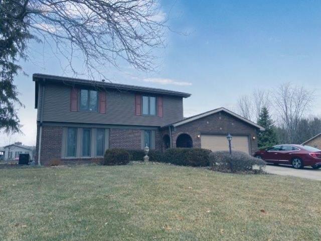 11212 Eagle Drive, Kokomo, IN 46901 (MLS #202005509) :: The Romanski Group - Keller Williams Realty