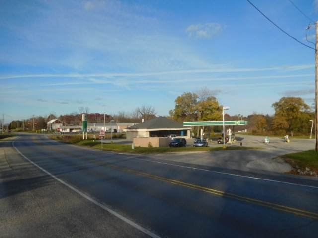 1215 N Warren Road, Huntington, IN 46750 (MLS #202012077) :: Select Realty, LLC