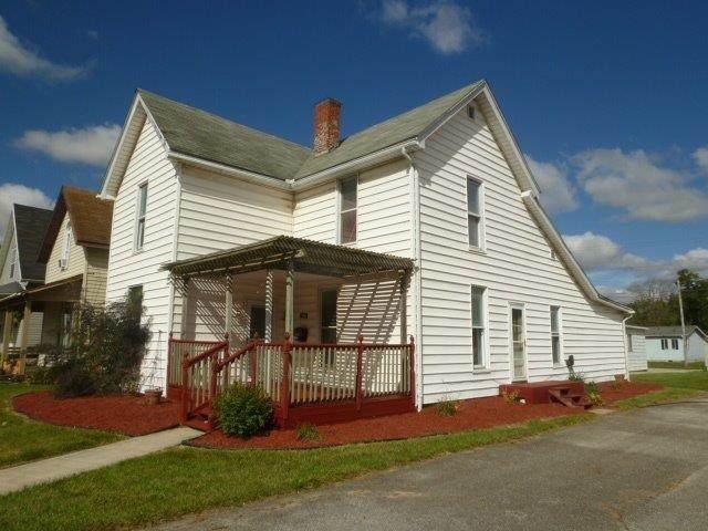 1306 W Spencer Avenue, Marion, IN 46952 (MLS #202017728) :: The Romanski Group - Keller Williams Realty