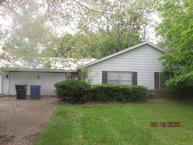 3515 Southlea Drive, Kokomo, IN 46902 (MLS #202017914) :: The Romanski Group - Keller Williams Realty
