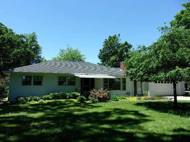 1006 Shady Lane, Monticello, IN 47960 (MLS #202021450) :: The Carole King Team