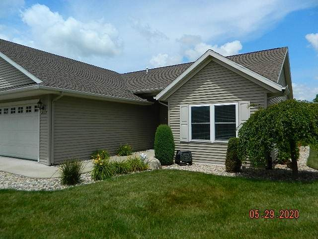 2117 Whitetail Run, Warsaw, IN 46582 (MLS #202024538) :: TEAM Tamara
