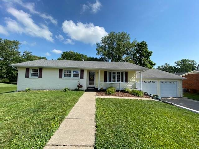 810 Parkview Drive, Boonville, IN 47601 (MLS #202025250) :: The Dauby Team