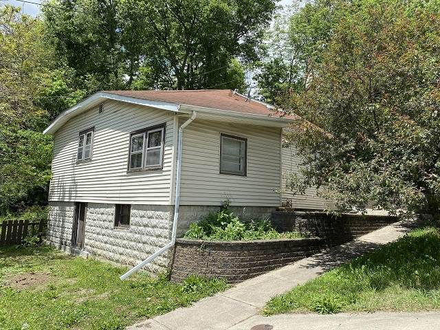 158 S Fisher Street, Wabash, IN 46992 (MLS #202025322) :: The Carole King Team