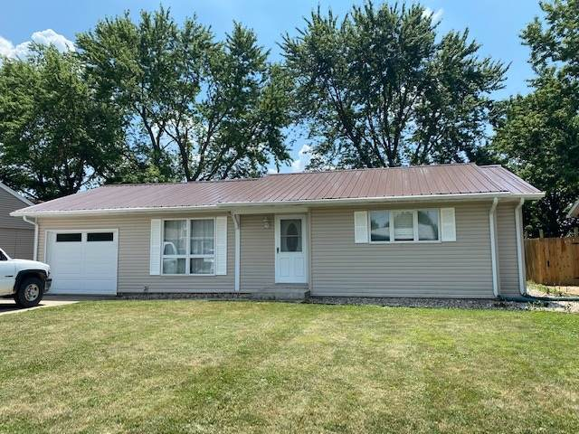 117 Meadow Drive, LaFontaine, IN 46940 (MLS #202025844) :: The Romanski Group - Keller Williams Realty