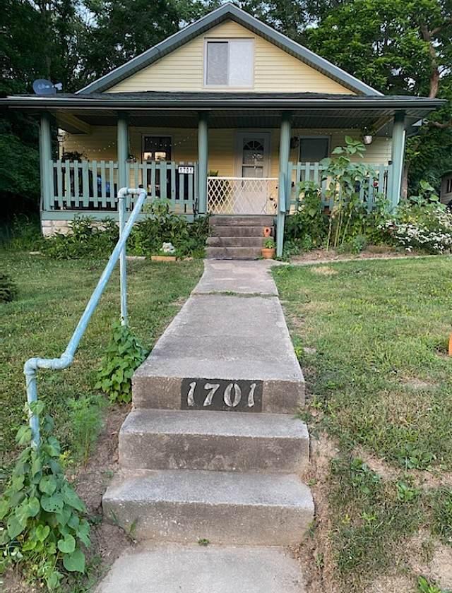 1701 S Huntington Drive, Bloomington, IN 47401 (MLS #202026190) :: The Dauby Team