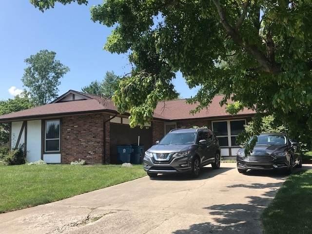1308 Helms Drive, Wabash, IN 46992 (MLS #202026343) :: The Romanski Group - Keller Williams Realty