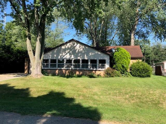 59432 Garver Avenue, Elkhart, IN 46517 (MLS #202029714) :: Parker Team