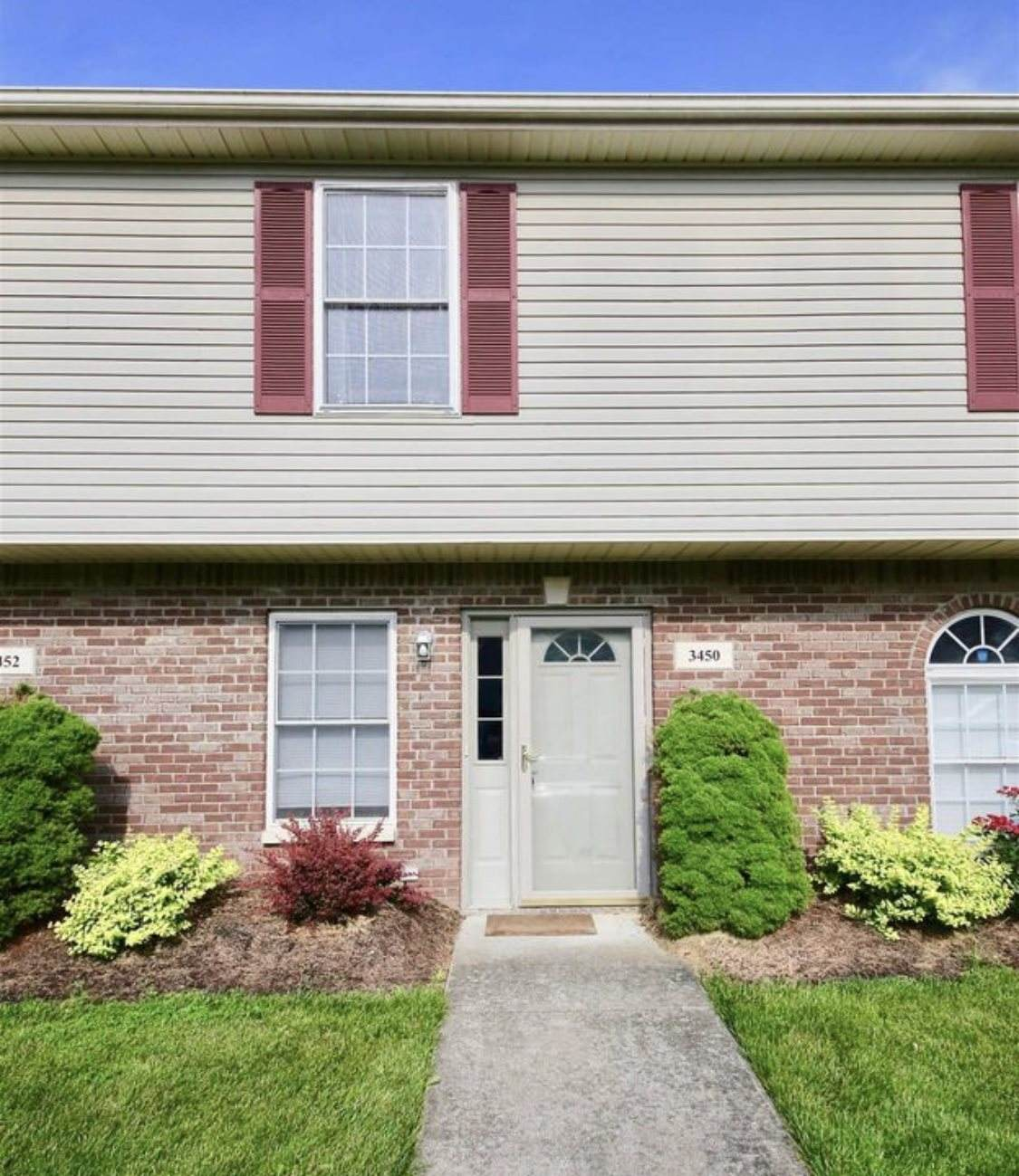 3450 Oaklawn Circle - Photo 1