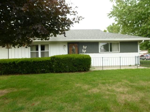 1021 E Sherman Street, Marion, IN 46953 (MLS #202031699) :: The Romanski Group - Keller Williams Realty