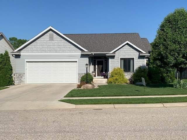 2403 Timberstone Drive, Elkhart, IN 46514 (MLS #202032643) :: Parker Team