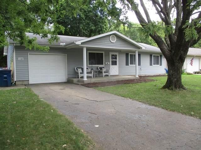 3205 S Dunbar Drive, Marion, IN 46953 (MLS #202035736) :: The Romanski Group - Keller Williams Realty