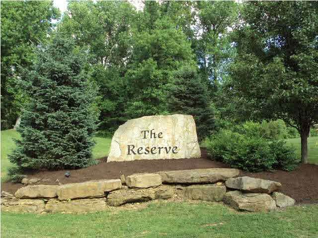 6010 Pembrooke Drive, Newburgh, IN 47630 (MLS #202037106) :: The ORR Home Selling Team