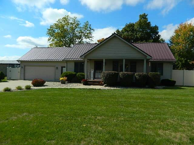 414 S Washington Street, Pierceton, IN 46562 (MLS #202040093) :: Hoosier Heartland Team | RE/MAX Crossroads