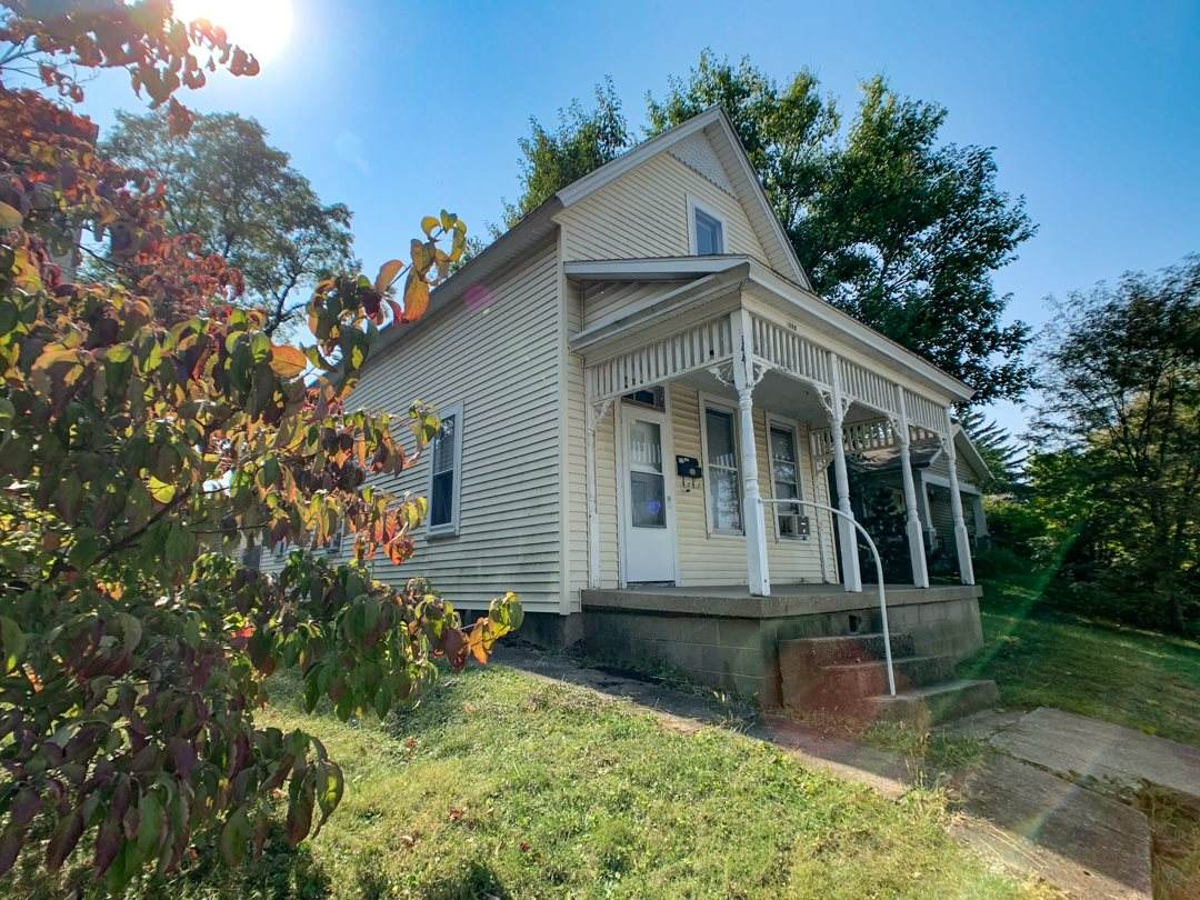 1427 Grove Street - Photo 1