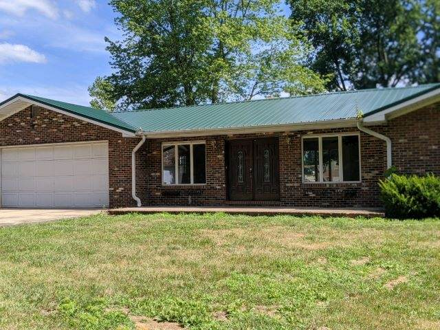 3867 S State Road 57, Washington, IN 47501 (MLS #202042302) :: Parker Team