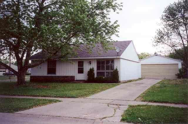 3215 Chaucer Drive, Lafayette, IN 47909 (MLS #202046171) :: Parker Team
