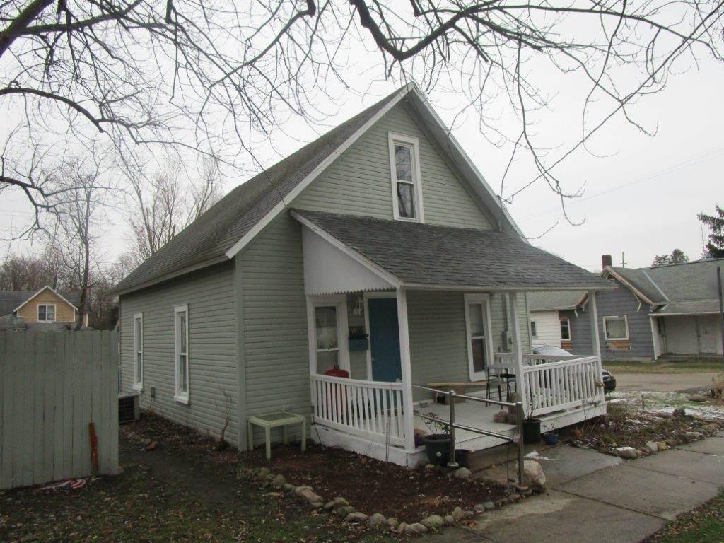 1015 Huntington Street - Photo 1