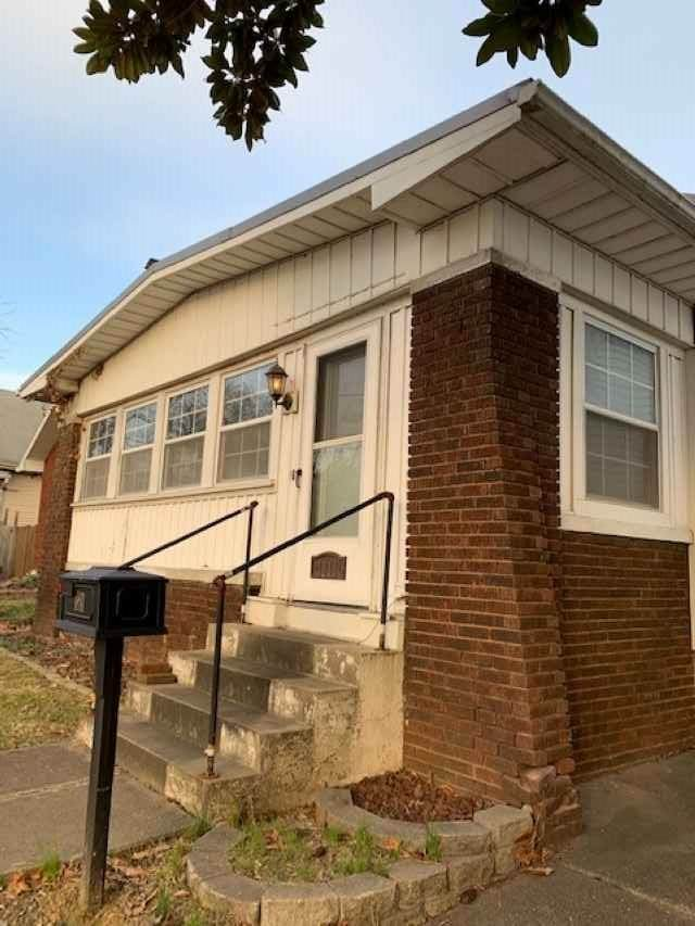 1811 N Heidelbach Avenue, Evansville, IN 47711 (MLS #202102315) :: Parker Team
