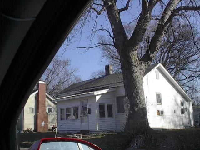 813 N 11 Street, Vincennes, IN 47591 (MLS #202104801) :: The ORR Home Selling Team