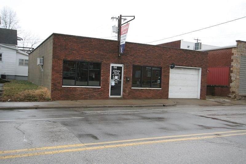 405 Newton Street - Photo 1