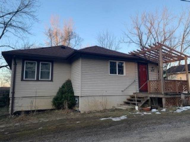 8279 E Lakeview Avenue, New Carlisle, IN 46552 (MLS #202106818) :: Parker Team