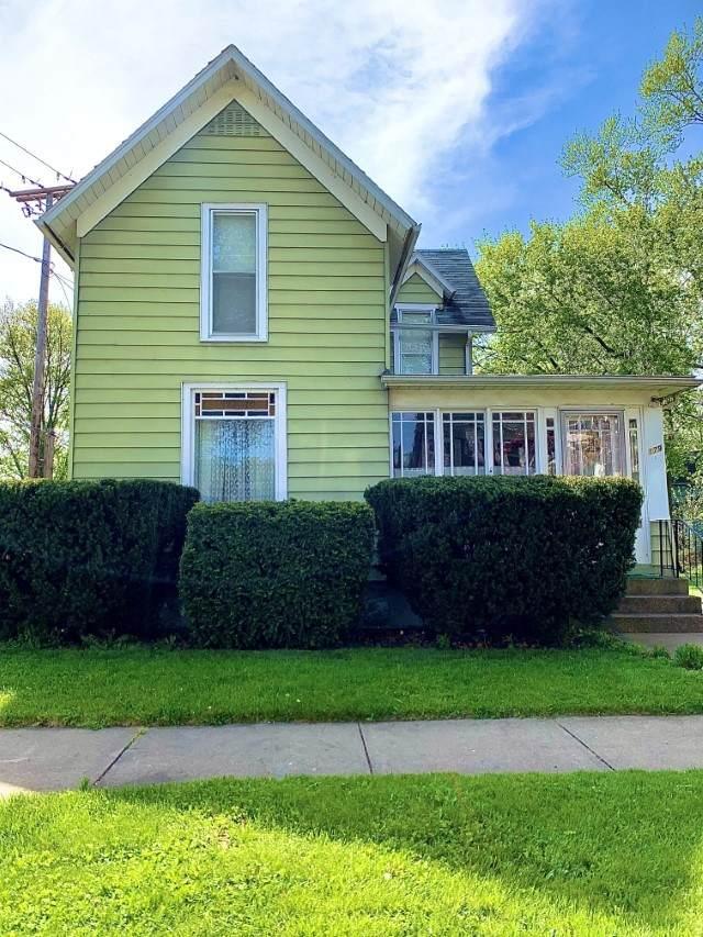 179 N 5th Street, Elkhart, IN 46516 (MLS #202106977) :: The ORR Home Selling Team