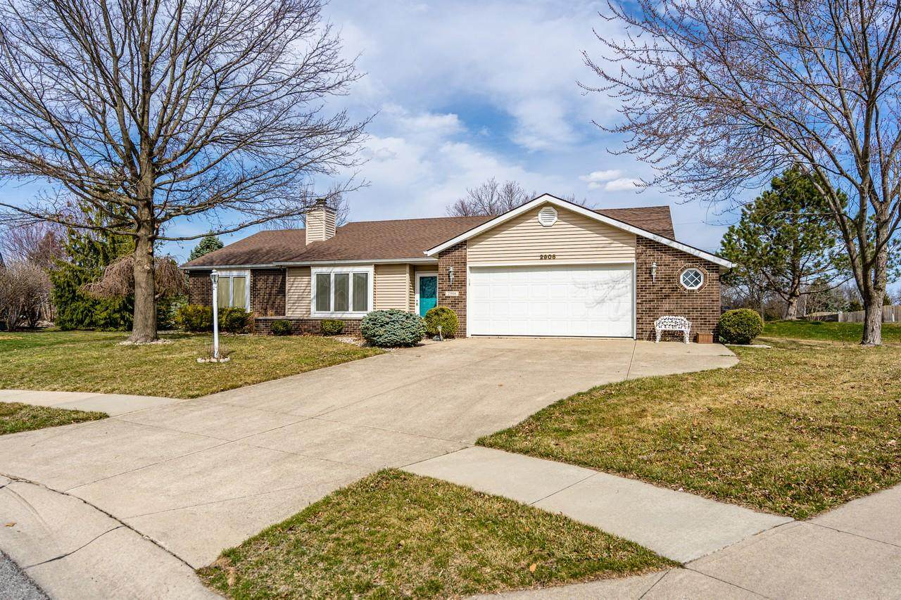 2906 Sioux Point - Photo 1