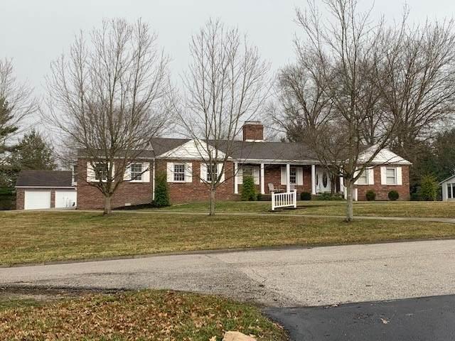 3616 Homestead Drive, Bloomington, IN 47401 (MLS #202109386) :: Parker Team