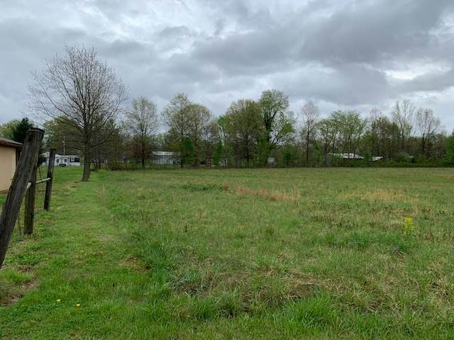 S Fortune Road, Boonville, IN 47601 (MLS #202112270) :: The Dauby Team