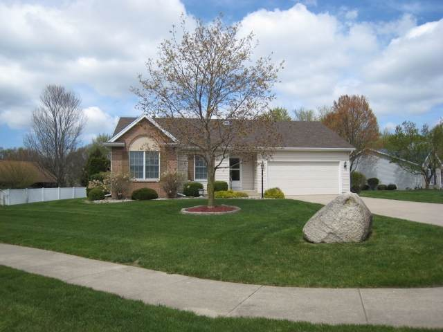 5307 Finch Drive, South Bend, IN 46614 (MLS #202112974) :: Hoosier Heartland Team | RE/MAX Crossroads