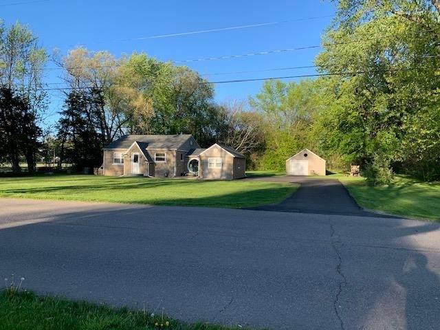 434 N Beech Drive, Osceola, IN 46561 (MLS #202116658) :: Aimee Ness Realty Group