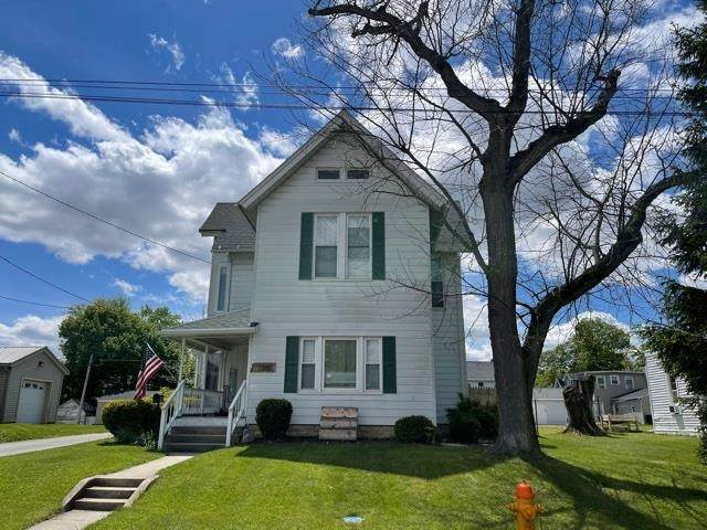 1300 College Avenue, Huntington, IN 46750 (MLS #202116934) :: The ORR Home Selling Team