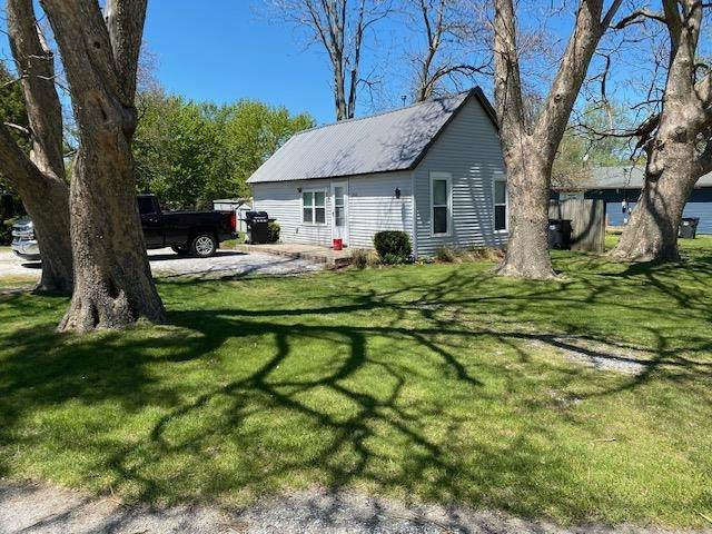 214 Hamlet Street, Hamlet, IN 46532 (MLS #202117045) :: Hoosier Heartland Team | RE/MAX Crossroads